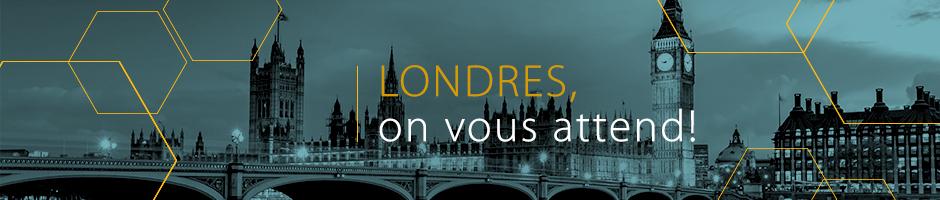 Photo de la ville, en noir et bleu, avec le Londres, on vous attend!