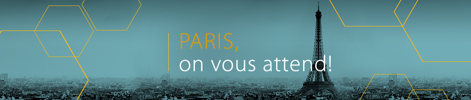Photo de la ville, en noir et bleu, avec le text Paris, on vous attend!